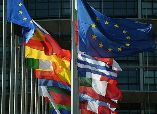 Avrupa Komisyonu'ndan Türkiye'deki Suriyelilere 485 milyon euro yardım teklifi